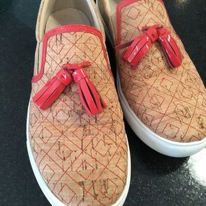 Donald J Pliner cork and leather slip ons